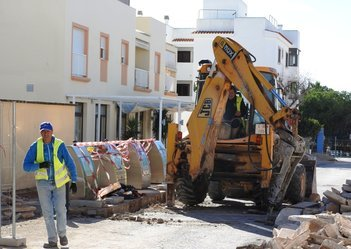 Upgrades on two main roads make for changes around Sant Ferran